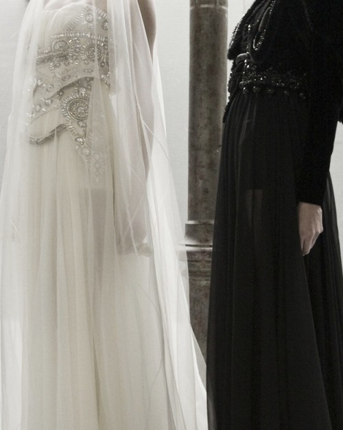 wink-smile-pout:  Givenchy Haute Couture Fall 2009
