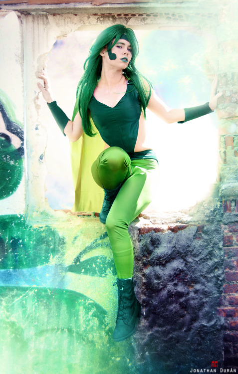comicbookcosplay:  Whitelemon as Polaris, X-Factor Cosplay [Lorna Dane - Marvel Comics] Submitted by nomagikforme