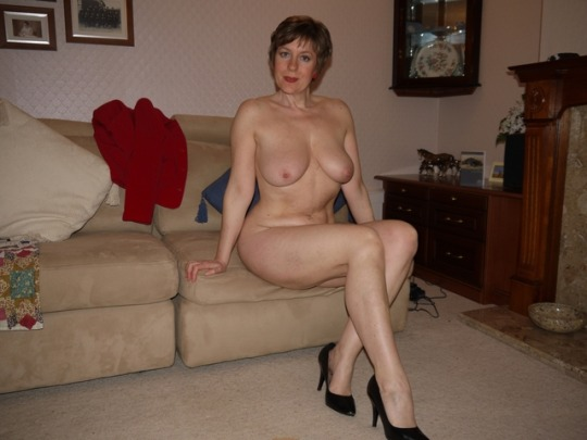 Голые мамочки домашние фото галереи — pic 13