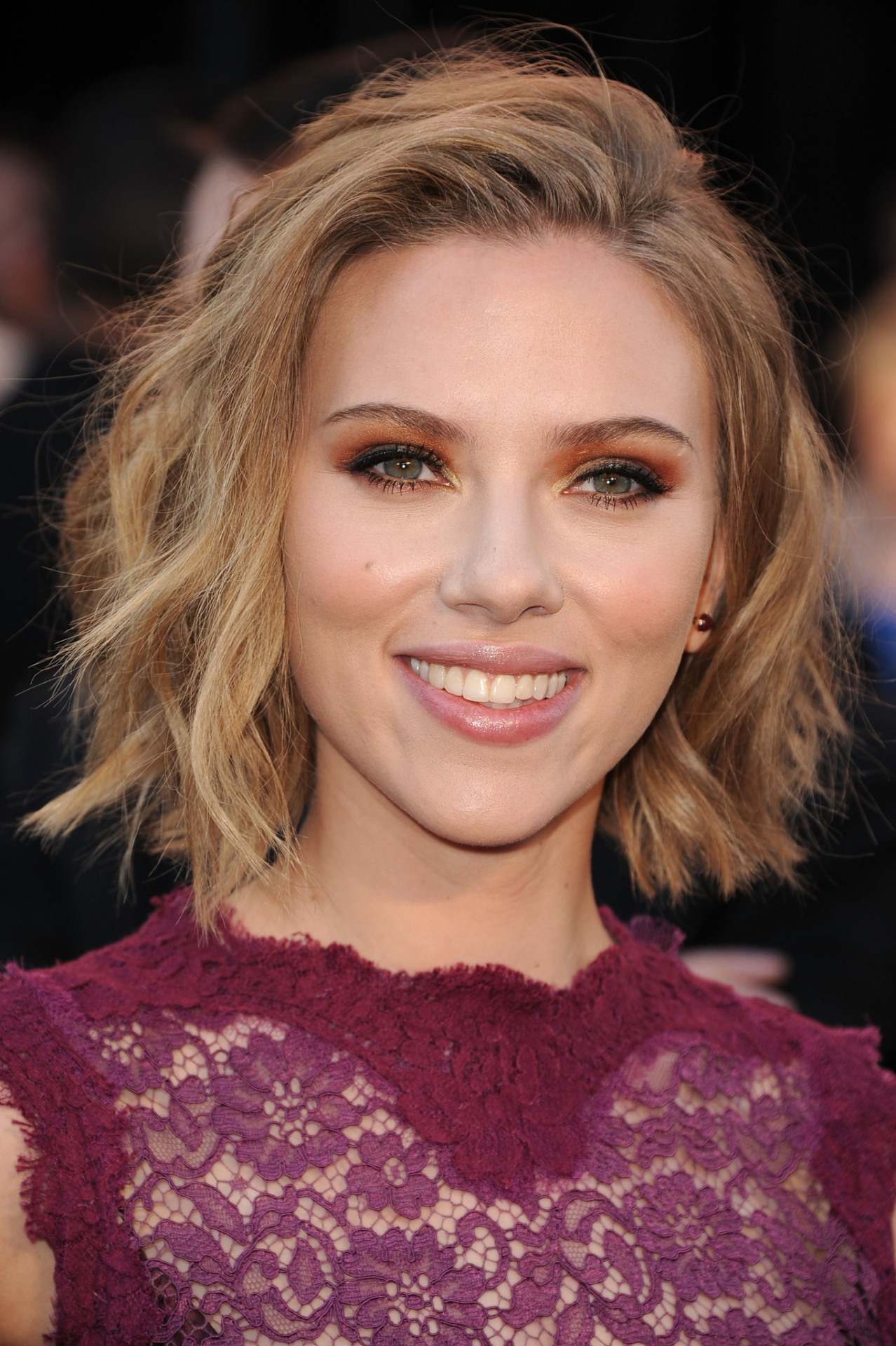 ti5o5o followed Scarlett Johansson on MovieLaLa