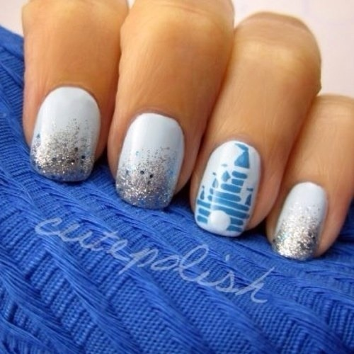 I want painted nails like this <3