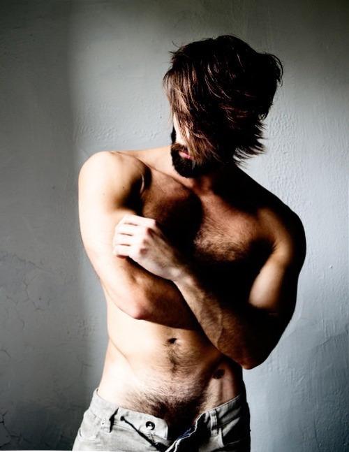 2019-01-18 02:37:35 - hairynmuscleman hairynmuscle man the hottest beardburnme http://www.neofic.com