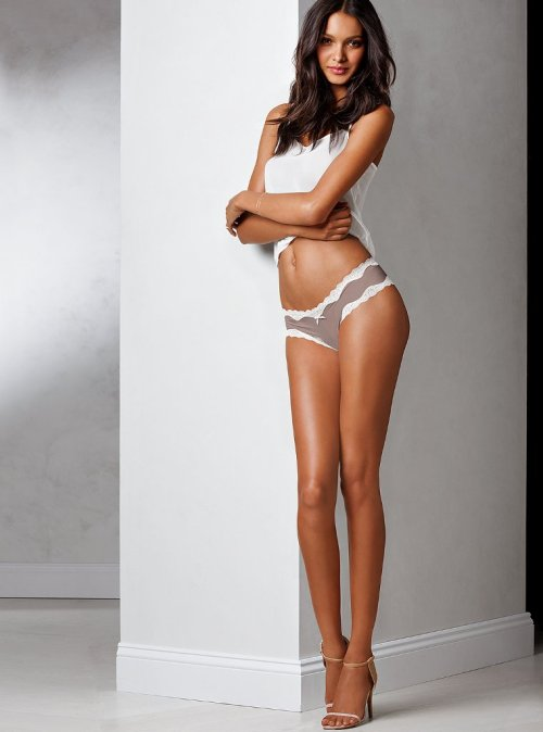 vsupdates:  New Lais Ribeiro for VS Lingerie
