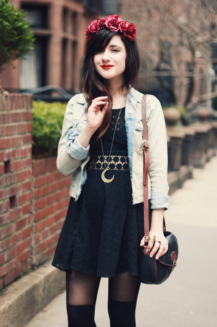 modcloth:  Bonnie of Flashes of Style is ready for spring in a classic denim jacket.