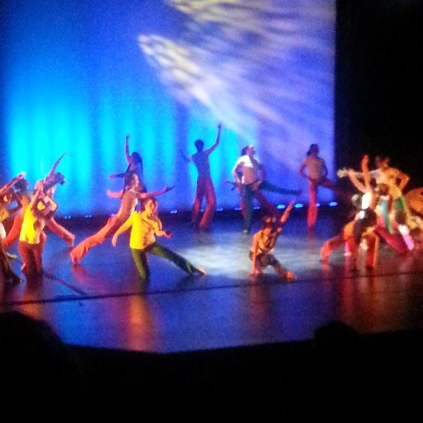 Shout out to this choreo though! Ysaye McKeever's Yellow Lark. I have some talented friends! Love you @y_si_aloha!