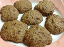 Oatmeal chocolate chips cookies. Ooooh lala~~~