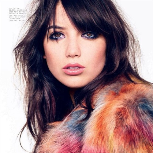 Daisy Lowe #fauxfur #bedhead #shaggyhair #messyhair #hair #dishevelledhair #haircare #model #pretty #daisy #celebrity #daisylowe #fashion #editorial #fringe #darkhair #brunette #beauty #bbloggers