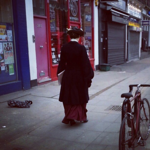 Mary poppins in Kentish town #fashion #style #photography #dress #hat #kentishtown