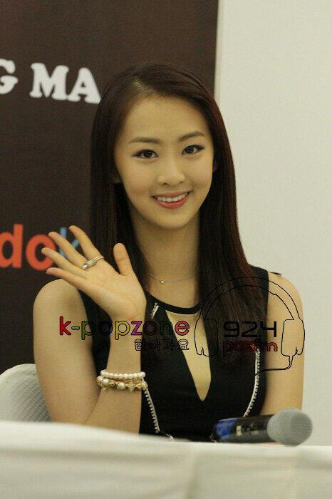 Grown up Dasom looking Perfect 130309 SISTAR @ Music Bank in Jakarta (FANTAKEN)
