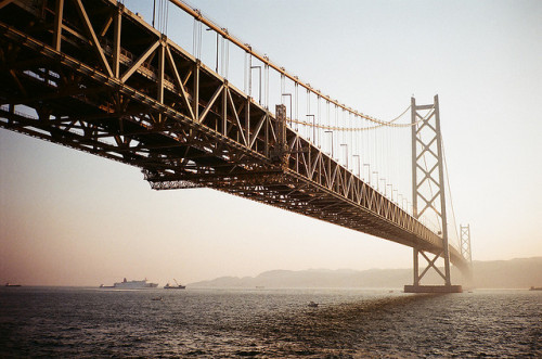 greekg0ds:   Akashi-Kaikyo Bridge by linolo