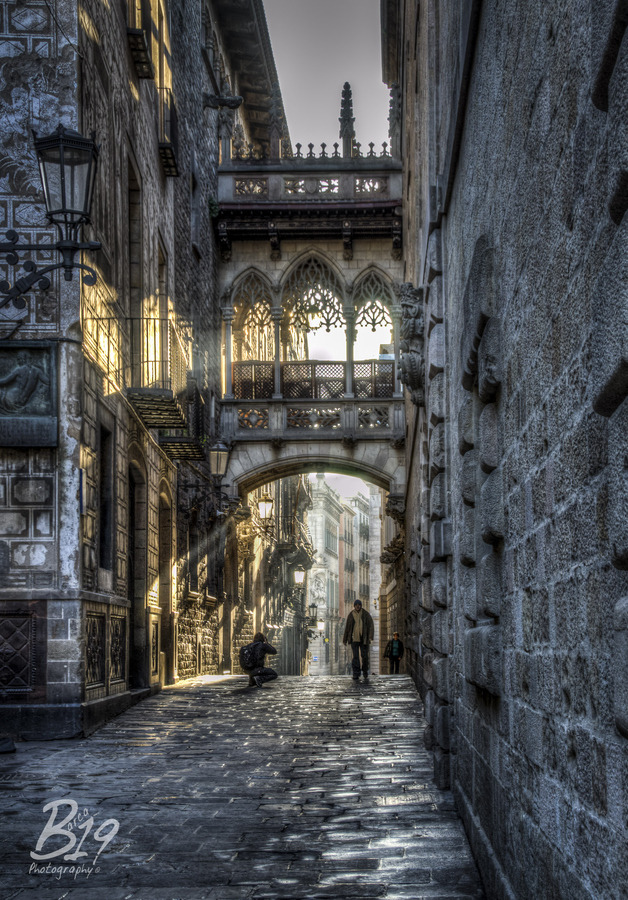 allthingseurope:  The Gothic Quarter, Barcelona, Spain (by Barca 19)  Favourite place in the city.. Have a painting of it on my bedroom wall.