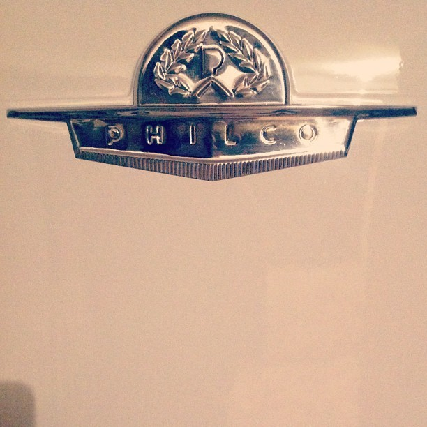 #vintage #retro #type #typography #badge #seal #logo #chrome #fridge #refrigerator #old #philco #1952 #white