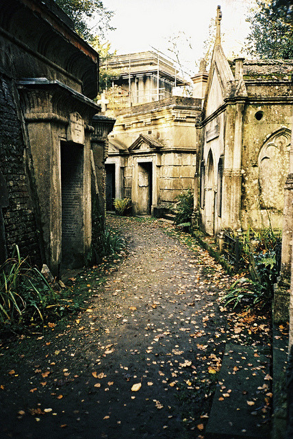 yesmrholmes:  Highgate Cemetery by cranjam on Flickr.