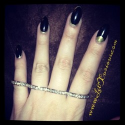 Pretty #DOPE if you ask me from www.LilXurious.com #glam #lilxurious #knucklering #4fingerring #instafresh #instafashion  (at www.LilXurious.com 💋)