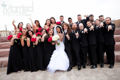 cats-overboard:  c0rey-tayl0r:  this is the most beautiful wedding picture i ever seeing  this is to great