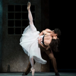 "anotherballetblog:  Melissa Hamilton and Thiago Soares in Kenneth MacMillan's ""Las Hermanas"" - The Royal Ballet"