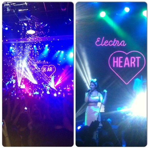 Marina & The Diamonds concert! She's perfect and I'm obsessed *__* @izzy618 @mylesawayy #marinaandthediamonds #amazing #gaysandglitter  (at The Observatory OC)