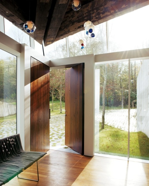 23.2 house by Omer Arbel - corner doors