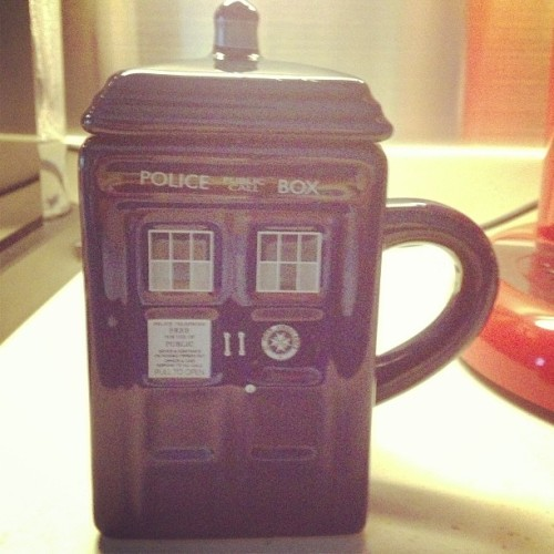 TARDIS mug arrived just in time for the season finale this weekend!! 😽😽😽 #doctorwho #TARDIS #tea