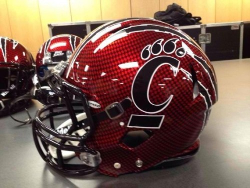 2012 Cincinnati Bearcats Belk Bowl helmets [Photo]