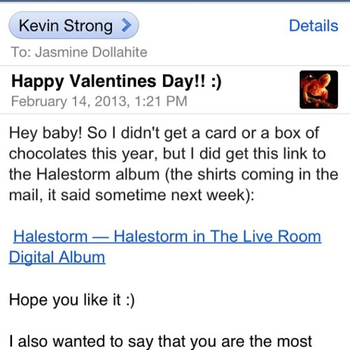 Unlike most girls who want roses or jewelry I mentioned a Halestorm Daughters of Darkness shirt with a free digital download and my valentine got it for me :) luckiest girl in the world!!! #happyvalentinesday #halestorm #halestormfreak #freaklikeme #daughtersofdarkness #lzzbian #luckygirlfriend #love