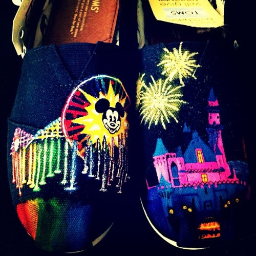 sonofcapri:  My new Toms! I can't wait to take em to #Disneyland tomorrow 😍#toms #disney