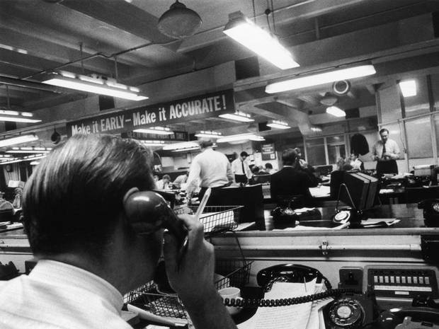 theswinginsixties:  At work in a newsroom, 1961