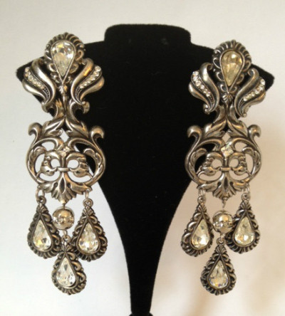 Beautiful earrings by Zoe Coste.