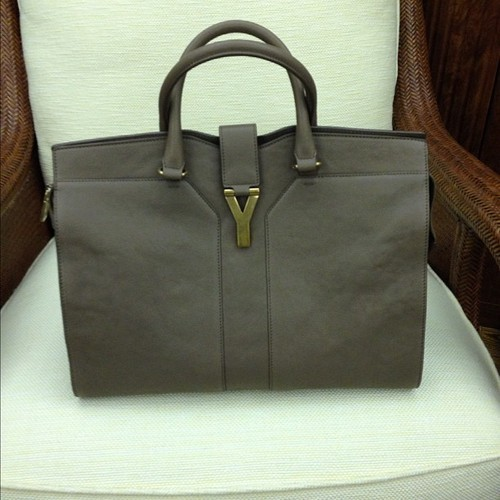 Sooo pretty! New bag!! #excited #ysl @yves_saint_laurent #happygirl #fashion #perfect #instahub #instagood #instalove #instafashion #chic #bag
