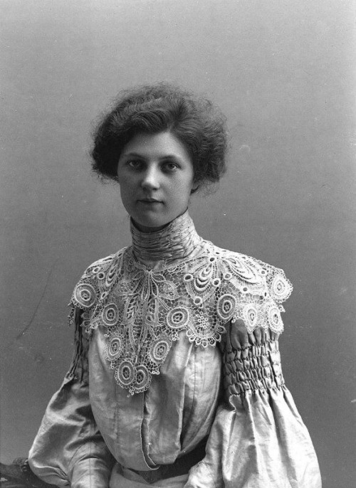 vintage black and white photography photos 1900s early 20th century early 1900s 20th century beauty women history