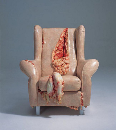 "Objects spilling their guts out No hay que confundir este post de la obra de Cao Hui con el de la obra de Jessica Harrison, que tambien compartí hace poco.  Aunque a ambos les gusta hacer muebles con piel humana, la diferencia entre los dos artistas es que a uno le gustan las tripas y a la otra no…Chinese artist Cao Hui creates three-dimensional Hyperrealistic sculptures of ordinary objects spilling their guts out. Hui works with a mix of materials which include resin and fibre. His work is an ongoing exploration of the relationship between surface and illusion. He is interested in challenging assumptions that people make about the interior of things as he presents the viewer with his ""constructed"" truths… http://bit.ly/ZEBEJC"