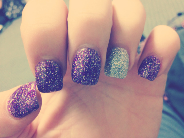 partyhardygrabthebacardi:  Got my nails re-done (: