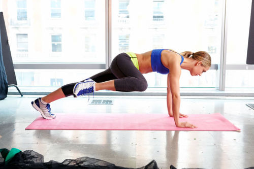 Glamour says you can get awesome abs without crunches. Do we believe them? Personal trainer David Kirsch showed supermodel Kate Upton how she could get great abs without the standard, awful stomach crunches.  Kirsch gave Upton a great workout, and he promises that if you follow his routine, plus cardio, you can see results in about a month. Do you think crunches are crucial for fab abs?