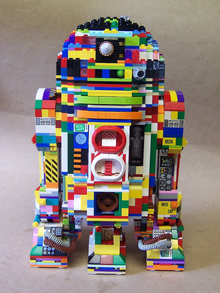 archiemcphee:  Never has a droid been so colourful or tentacular. LEGO wizard Matt Armstrong, aka Monster Brick, created these incredibly awesome RU-KRAZY!? and R2-Cthulhu LEGO R2-D2 sculptures. Visit Matt's Monster Brick Flickr account to view more of his fantastic LEGO creations. [via Nerd Approved]