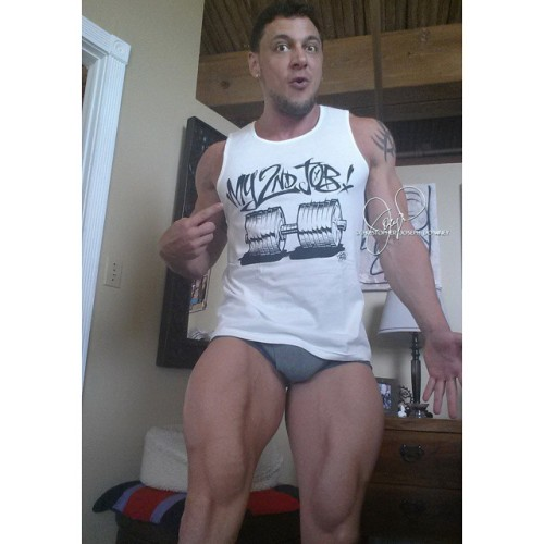 Today, #throwbackthursday is #thankyouthursday to one of my biggest supporters for this awesome shirt.   http://dworksout.com  #fit #fitspo #fitspiration #fitness #instagramfitness #muscle #ripped #jacked #bodybuilding #gorilla #gym #exercise