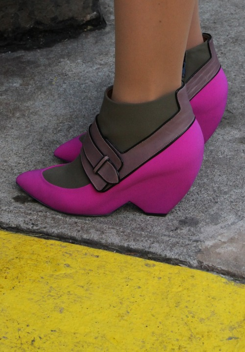 What a nice (accidental) colour combo #nyfw #streetstyle