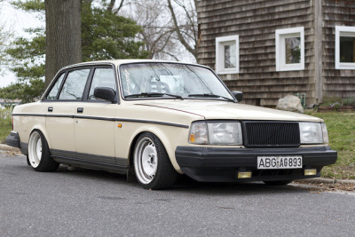 theautobible:  Volvo by Alexander Kearney on Flickr.