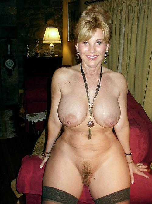 homemade-milfs:  Do you like my pic? Wanna hook up with me? Click Here