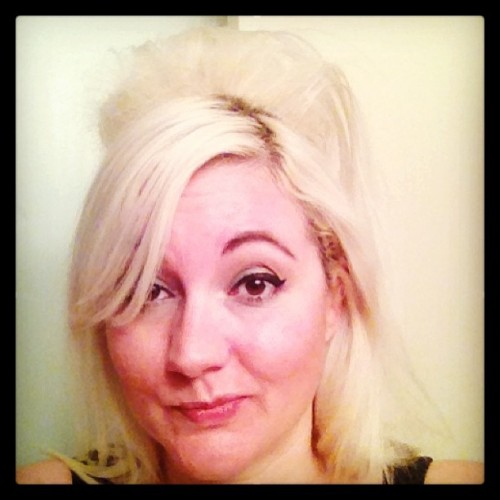 I love playing with my mop. #bleach #blonde #hairplay #adventuresinbackcombing #hair