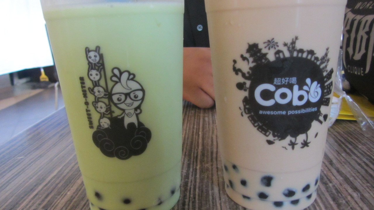 Cobo Milk Tea Experience :) I ordered their best sellers, the original Cobo milk tea and the Honeydew Milk Tea. Their classic milk teas are available in two sizes: 16oz (Php 49) and 22oz (Php 59). For me a milk tea isn't complete with pearls so I added pearls for Php 10. Continue reading…