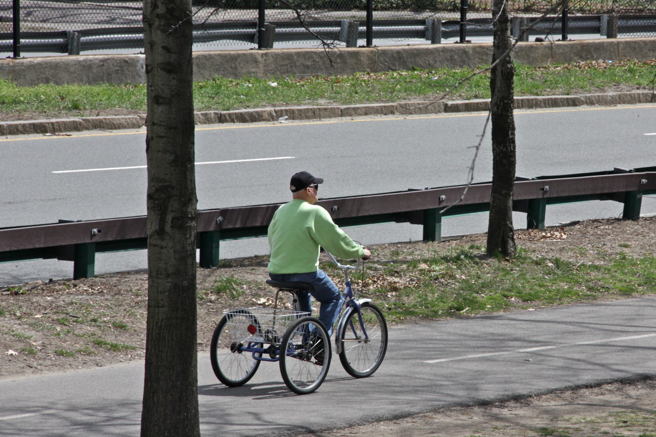 City on lockdown, bike paths will be empty - perfect day for a trike ride. This guy = zero fucks given. Represent.
