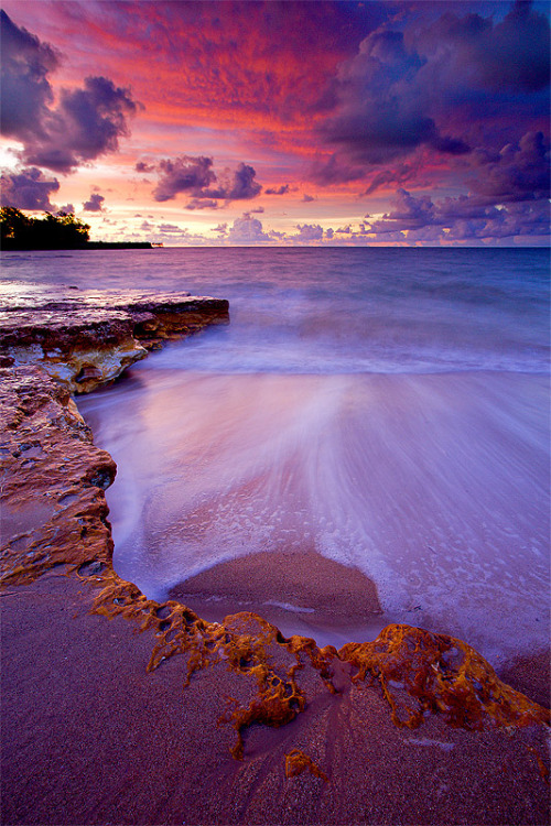 ethereo:  Nightcliff Beach lit up after sundown (by jonclark2000)