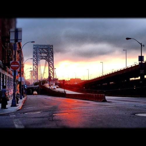 Great sunset shot behind the GWB by @edi_vargasg Www.washingtonheights.tumblr.com #instagramuptown #uptown #inwood #washingtonheights #nyc #newyorkcity #exloranyc #photography #art #local #community