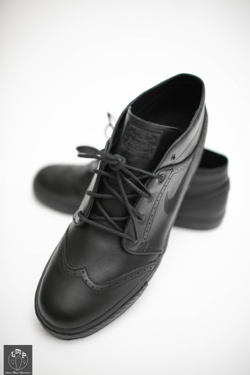 Black Wingtips