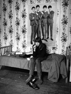 the60sbazaar:  Beatles fan in her London bedroom photographed by Harold Chapman