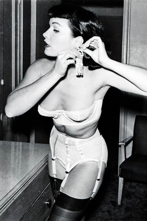 via: t-time-erotica [ Follow /  Submit /  Ask ]  vintagegal:  Bettie Page