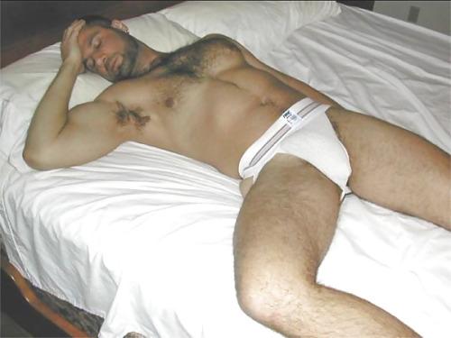 gaydoms:  Bet you'd love waking up see this jock bulge.