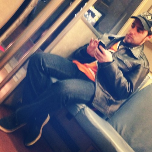 I know that feel bro…. #saddestfanonthemetro #Flyers 😔