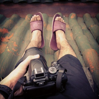 Waiting for a sunset #now #sunset #sunday #happy #camera #foot #afternoon #jakarta #indonesia