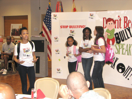 Teen Mentors Best Adults in Steering Kids Toward Healthy Lifestyle  Elementary school kids who learned about obesity from teen mentors lost weight, lowered their blood pressure and took on healthy lifestyle changes, according to a new study by Ohio State University.  In contrast, children who received the same instruction from adults in a traditional classroom experienced no changes in their health. The findings suggest that school systems consider using teen mentors to instruct younger children in select health-related programs.  photo via flickr:CC | familymwr